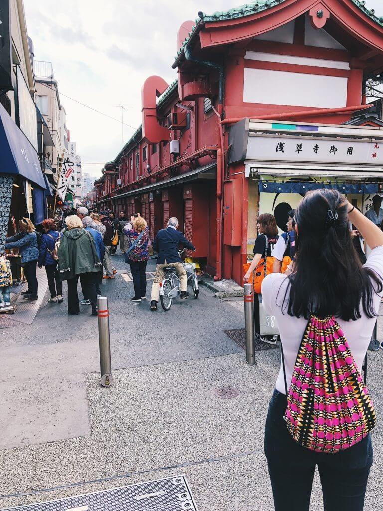 tokyo sensoji Nakamise Street