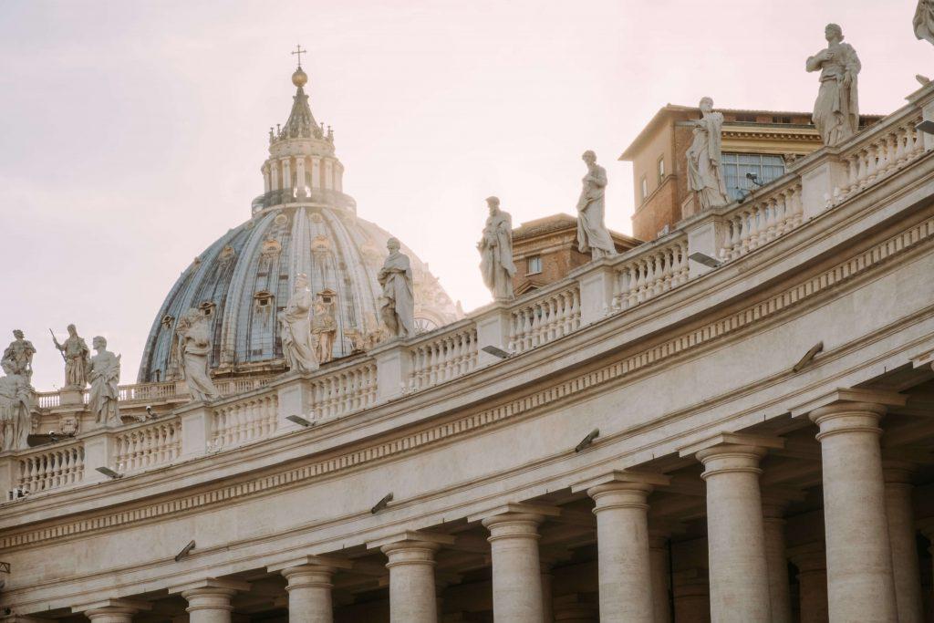 saint peters square rome vatican city