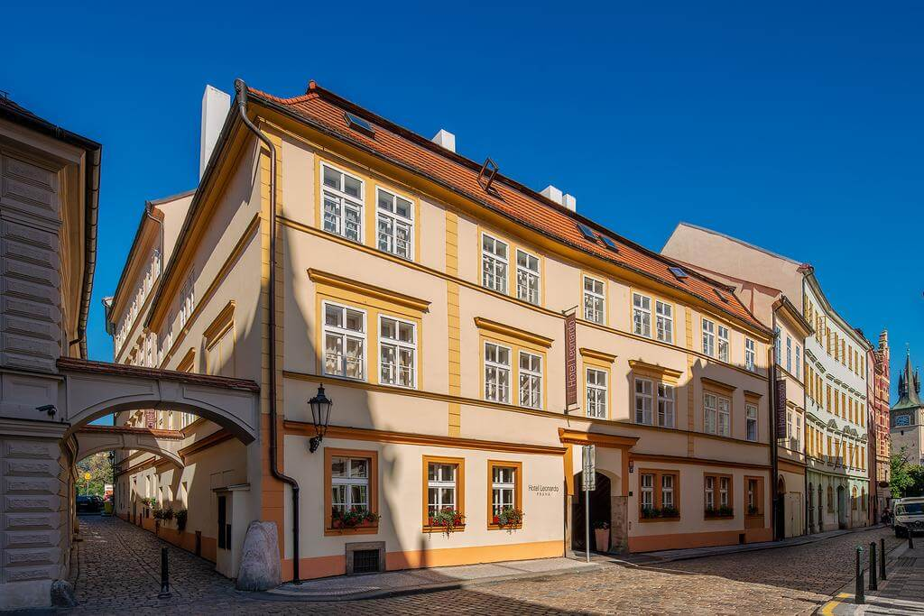 where to stay in prague mid range