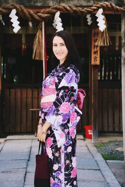 wearing kimono in japan